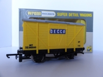 "W5054 ""DECCA"" Ventilated Van - DE545543 -Yellow"