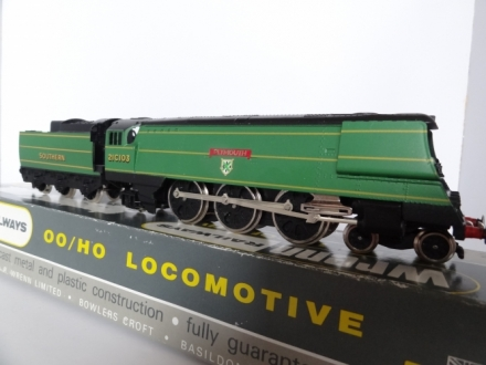 Wrenn W2266 Plymouth Spam Can Bulleid - SR Green - V/RARE